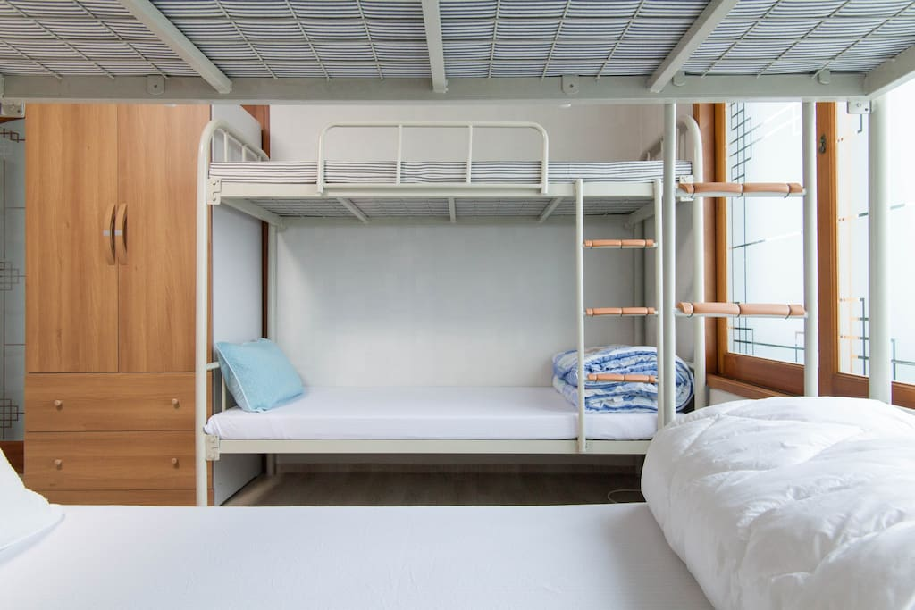 Bed in 8-Bed Female Room
