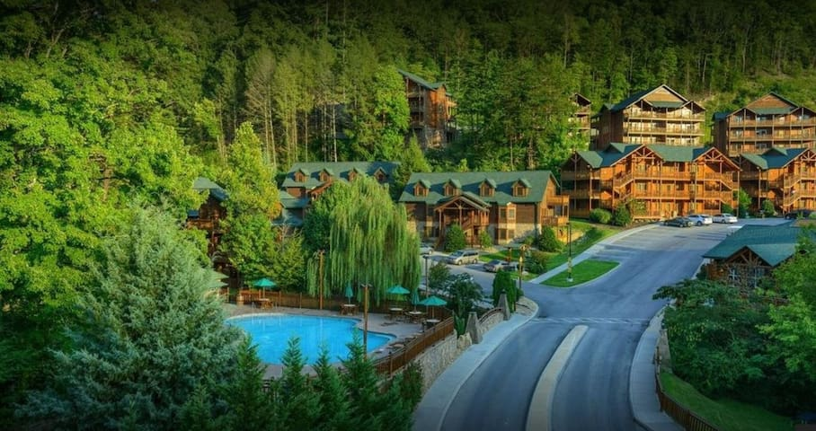 Smoky Mtn Westgate Resort Escape in Gatlinburg TN