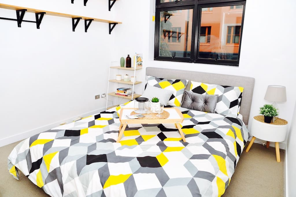 Modern Master Bedroom Sydney Cbd Darling Harbour Apartments For Rent In Ultimo New South