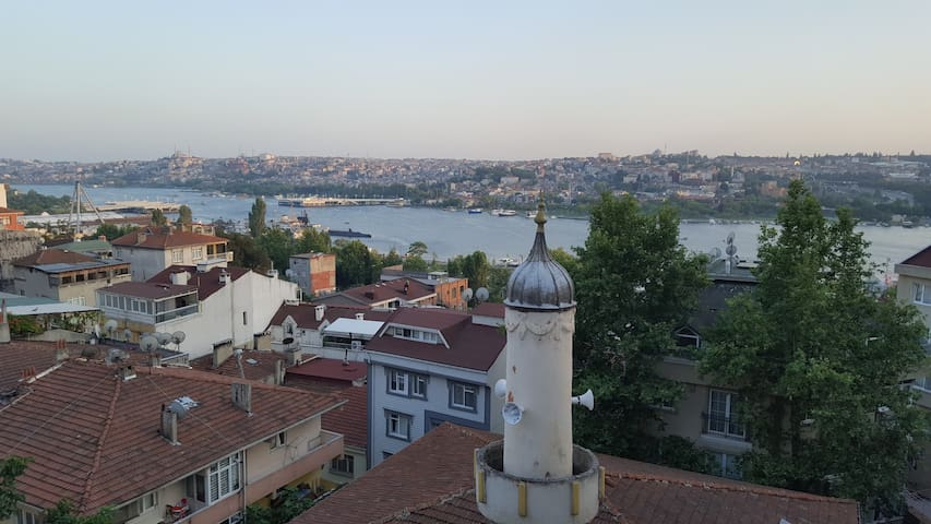 A Nice&Comfortable Room with Golden Horn View - Beyoğlu - Apartament