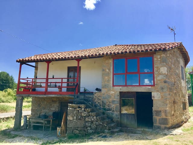 Casa Da Curuxa at the heart of Ribeira Sacra