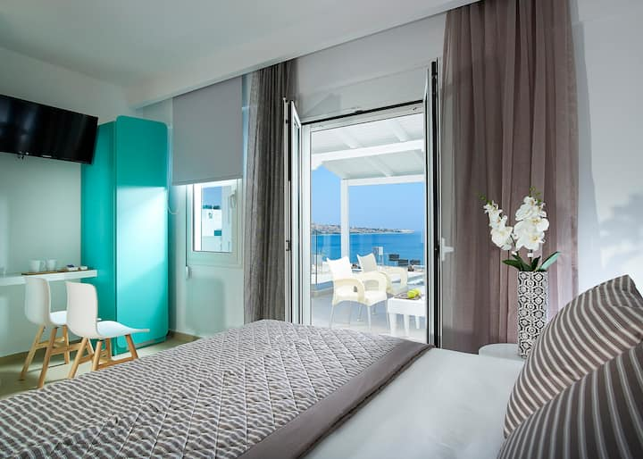 Coral Hotel Superior Double Room with Sea View