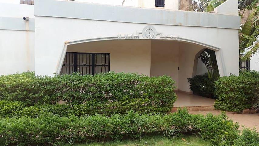 Villa meublée à Bobo 2010 pour vos courts sejours