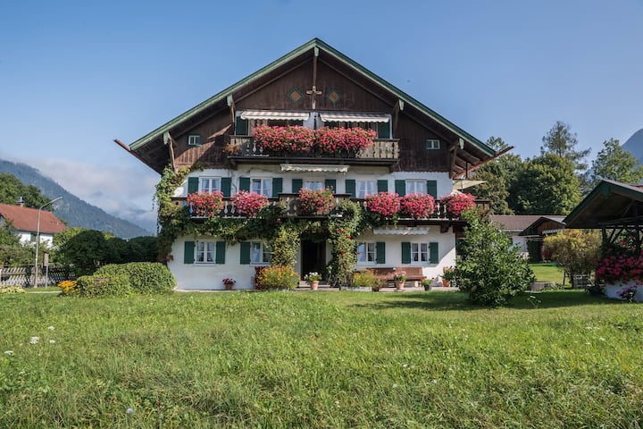 Charming Holiday Apartment Haus Andrä with Mountain View, Wi-Fi, Balcony & Garden; Parking Available