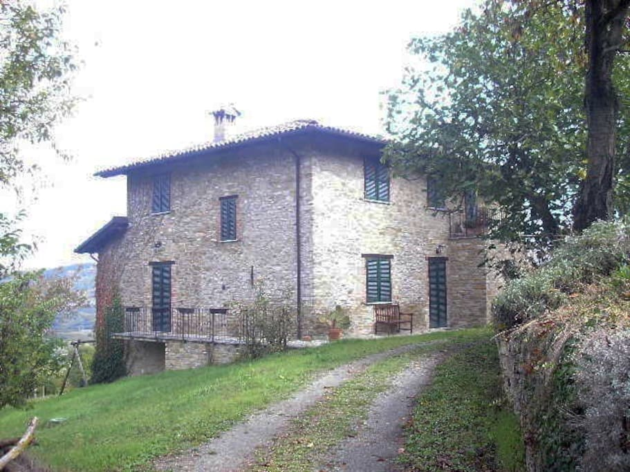 Great rustico the blue pine house dd houses for rent in for Rent a home in italy
