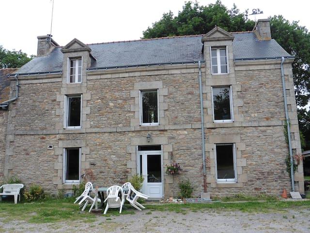 Chambre  pour 1 personne, lit de coin breton