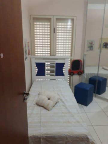 Suite casal/ netflix / tv /wifi/ar condicionado