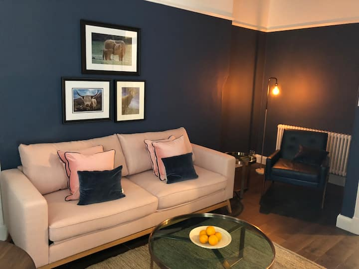Central Cosy Sunny flat | 1BD |