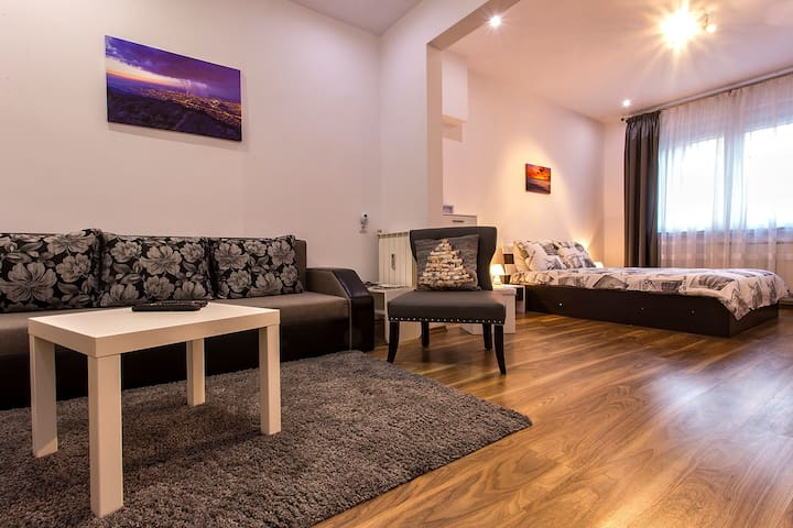 Cozy luxury apartment at the heart of downtown! - Sofia