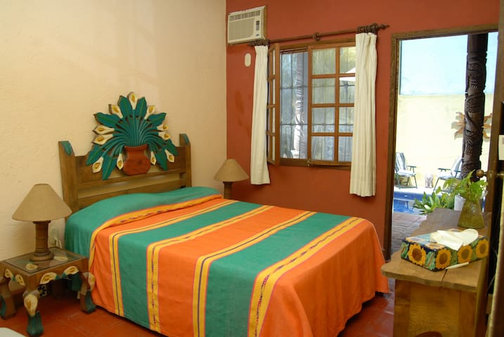 Small room, bedroom