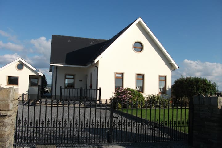 SPLINK VIEW, Liscannor Bay Home