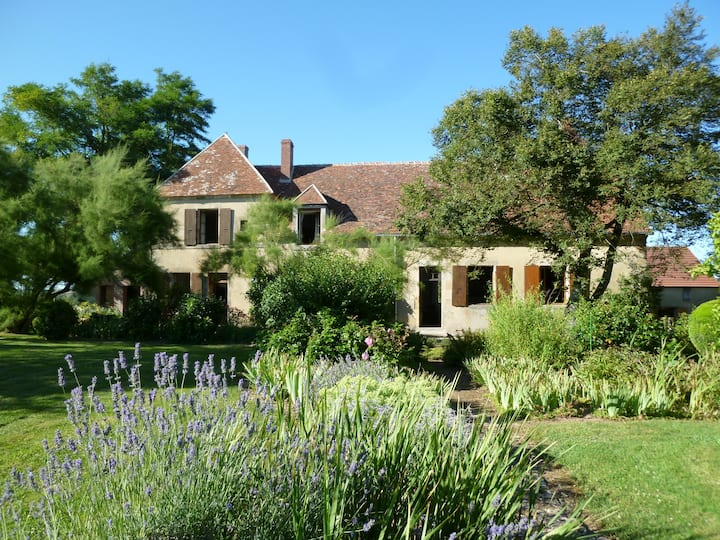 Rent a country house in  the Nievre