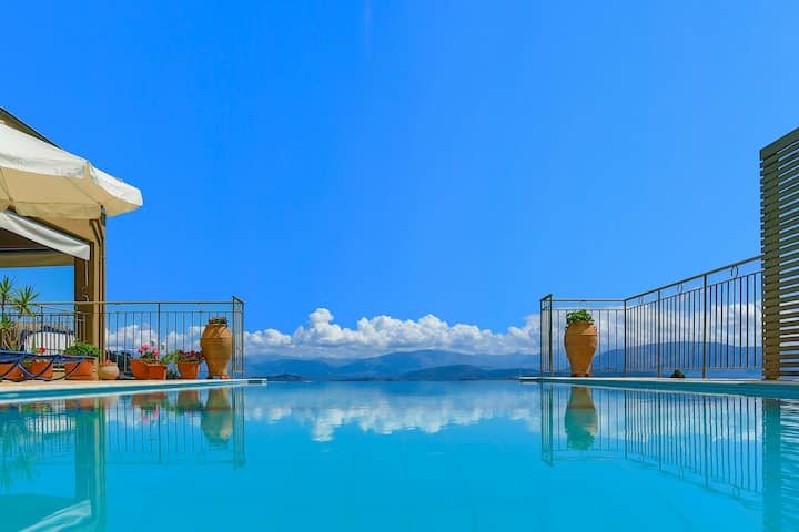 Villa Triantafyllo: Private pool, stunning views