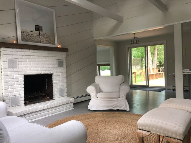Lovely Hampton Bays beach cottage for rent