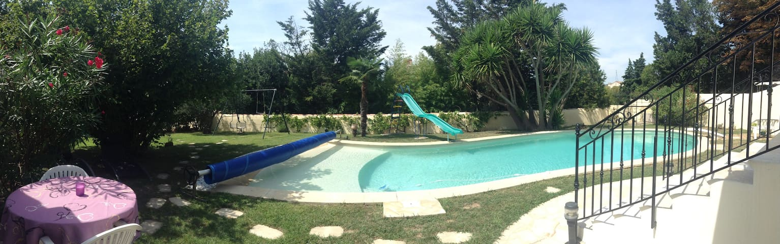 studio 2 personnes dans maison de maitre + piscine - Marselha - Apartamento