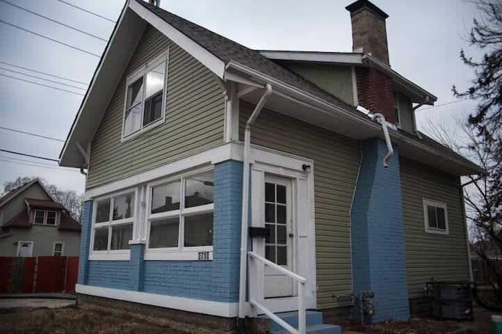 2BD/1BA West Side Gem Near IUPUI/downtown