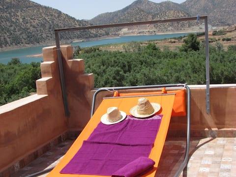 Belle Maison avec piscine au centre de Ouirgane.