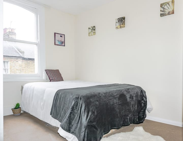 Brixton - Bright double room