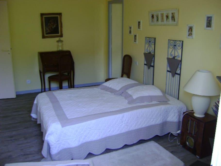 Saint emilion le guspit branne chambres d 39 h tes louer for Chambre d hote st emilion