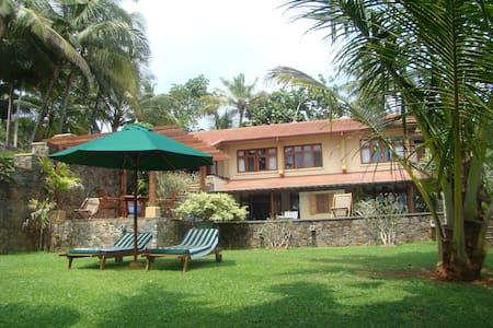 Luxury 3BR  beach villa - Matara - Willa