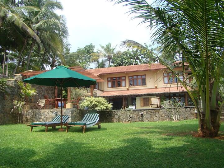 Luxury 3BR  beach villa