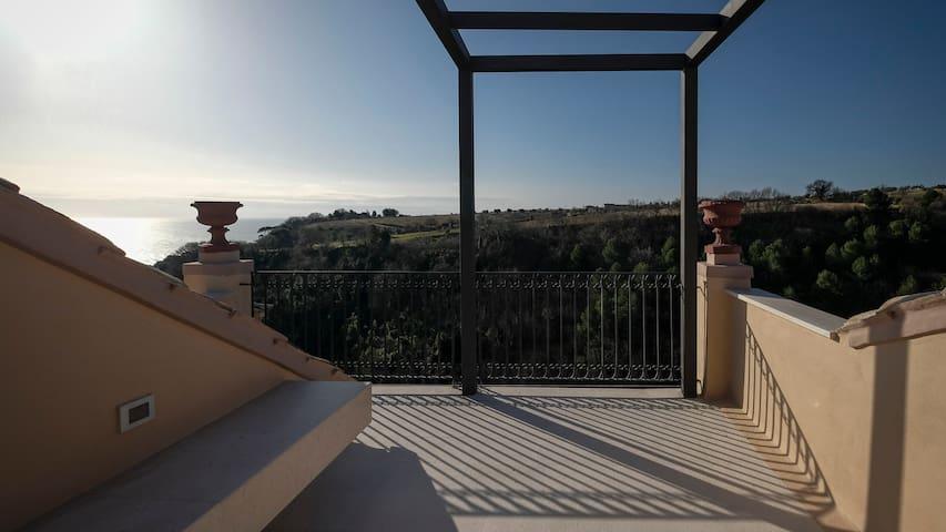 Terrazze sul borgo - Torre di Palme - House
