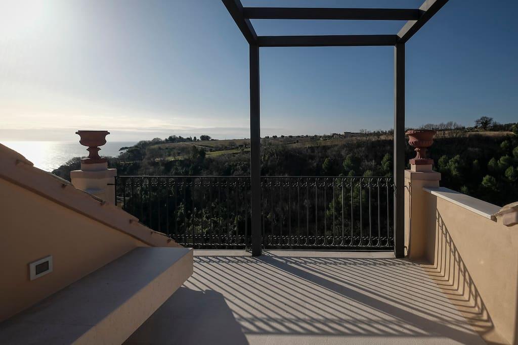 Top-floor solarium