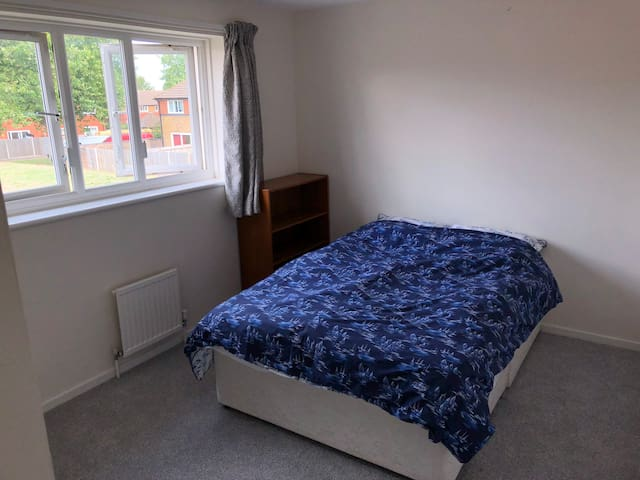 Large double room in a spacious and warmly house