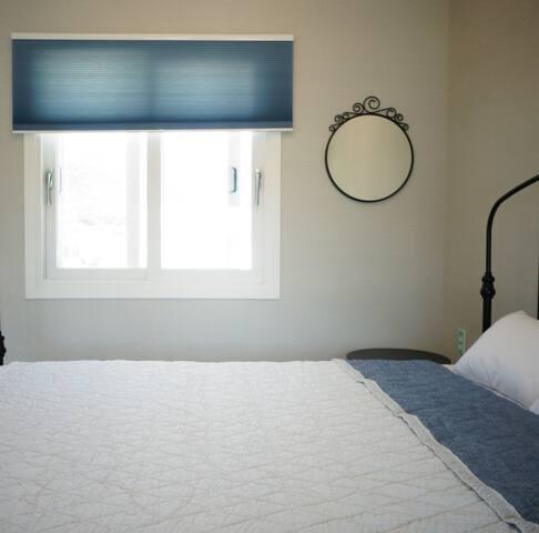 2층 침대방