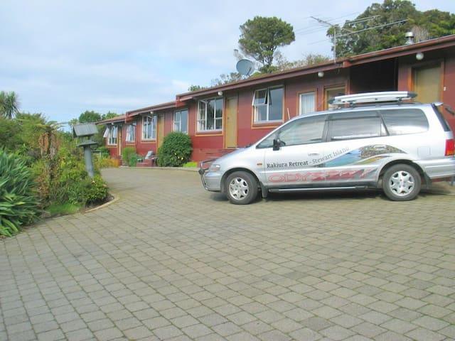 Stewart Island Apartment 2 + Car