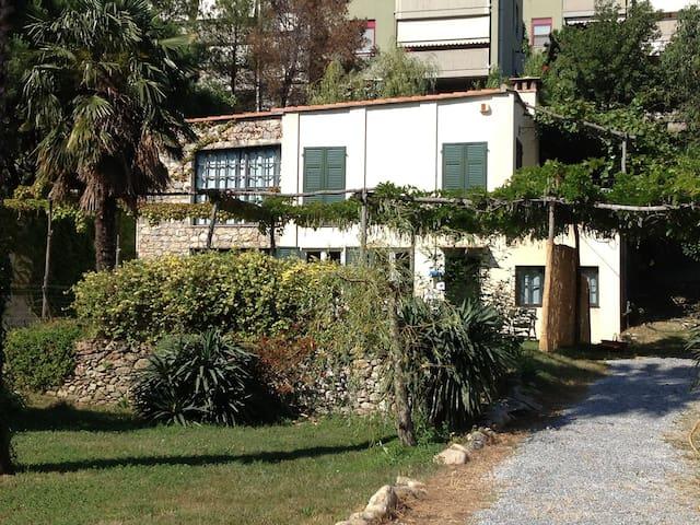 SPOTORNO MAGIARDA cottage - Spotorno - House