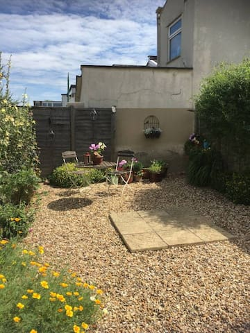 Double room in sought after Southville/Bedminster