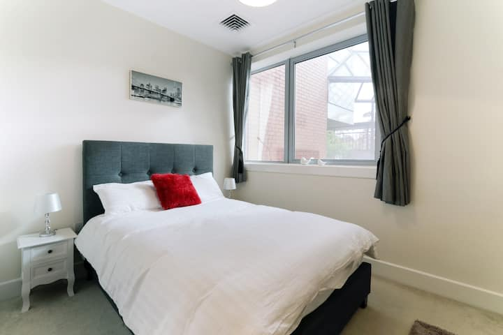 Luxury MK City Centre 2 Bedroom Serviced Apartment
