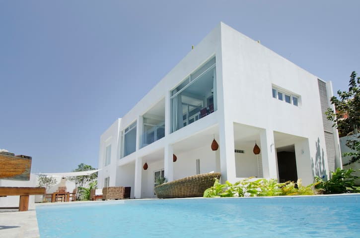 Spectacular modern villa in Pipa! - Senador Georgino Avelino - Vila