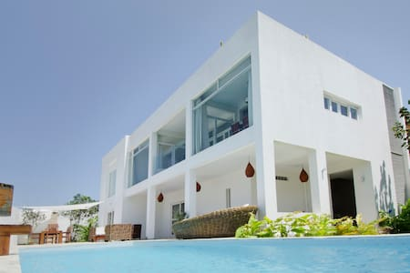 Spectacular modern villa in Pipa! - Senador Georgino Avelino - Casa de camp