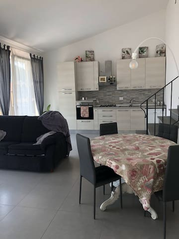 Nuovo grande e luminoso appartamento in affitto