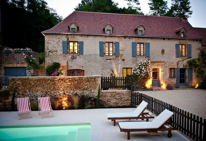 Charming cottage in Périgord Noir  - Sainte-Mondane - Dům