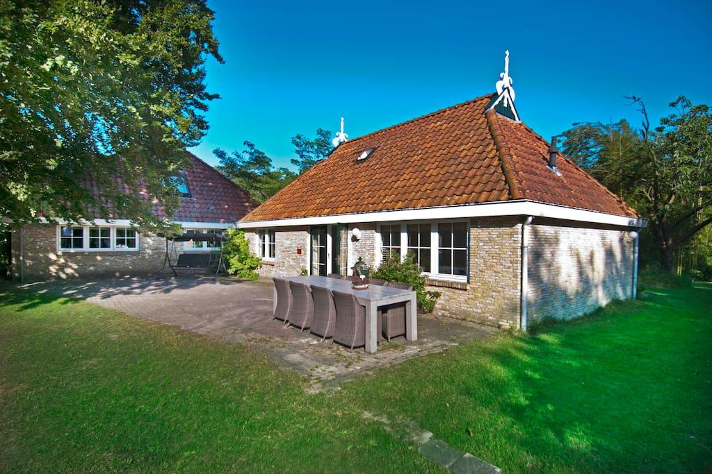 Woonboerderij 8 12p rust ruimte huizen te huur in for Huizen te koop friesland