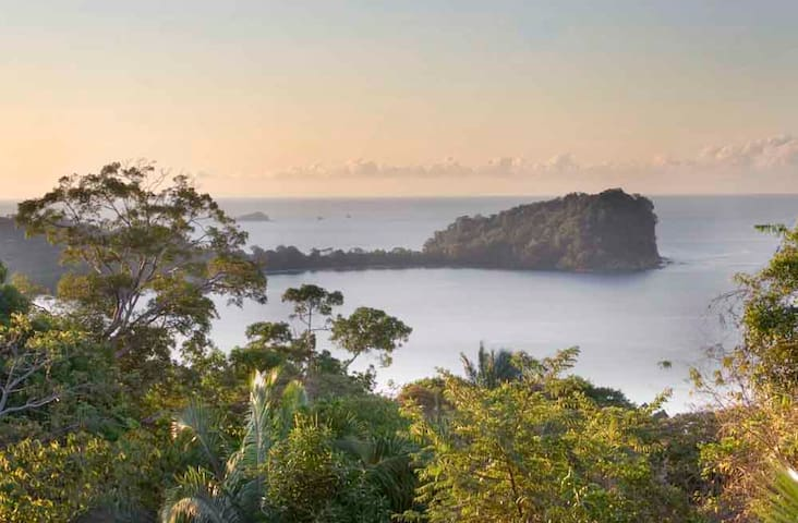 Beachhouse with Great Ocean View! - Manuel Antonio - House