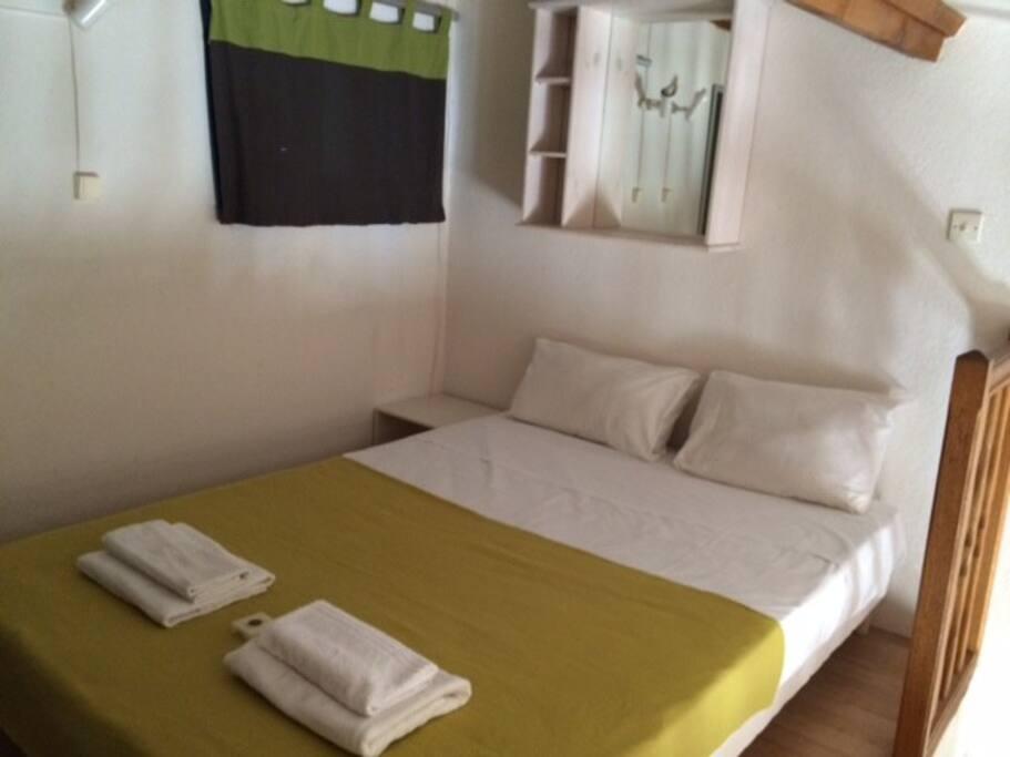 villa naturiste 2 chambres climatisation maisons louer agde cap d 39 agde languedoc. Black Bedroom Furniture Sets. Home Design Ideas