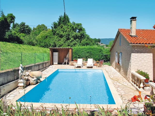 Holiday home in St. Paul-en-Foret for 6 persons - Saint Paul-en-Foret