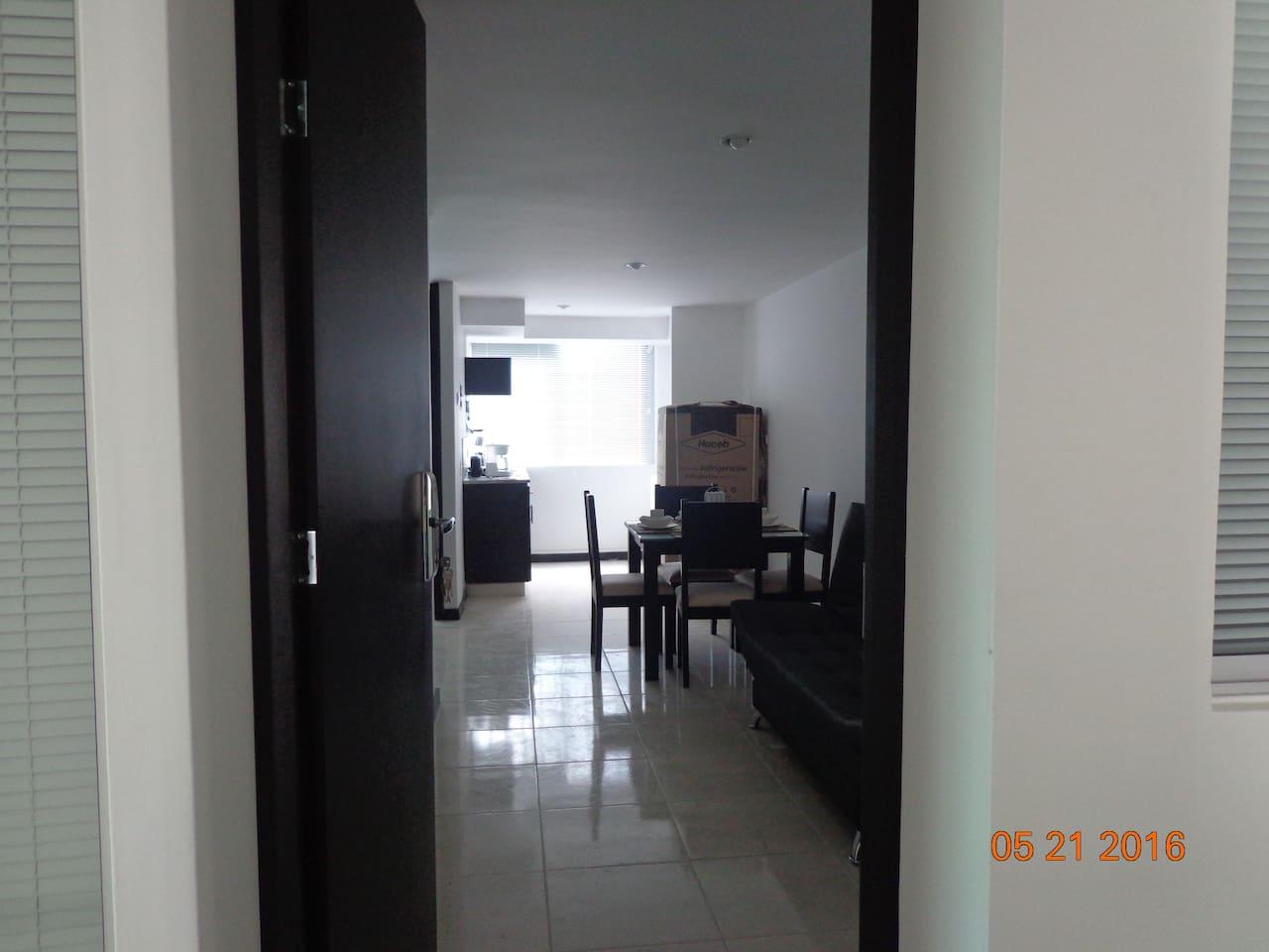 Apartamento con Cocina y Sala Comedor / Apartment with kitchen and dining room