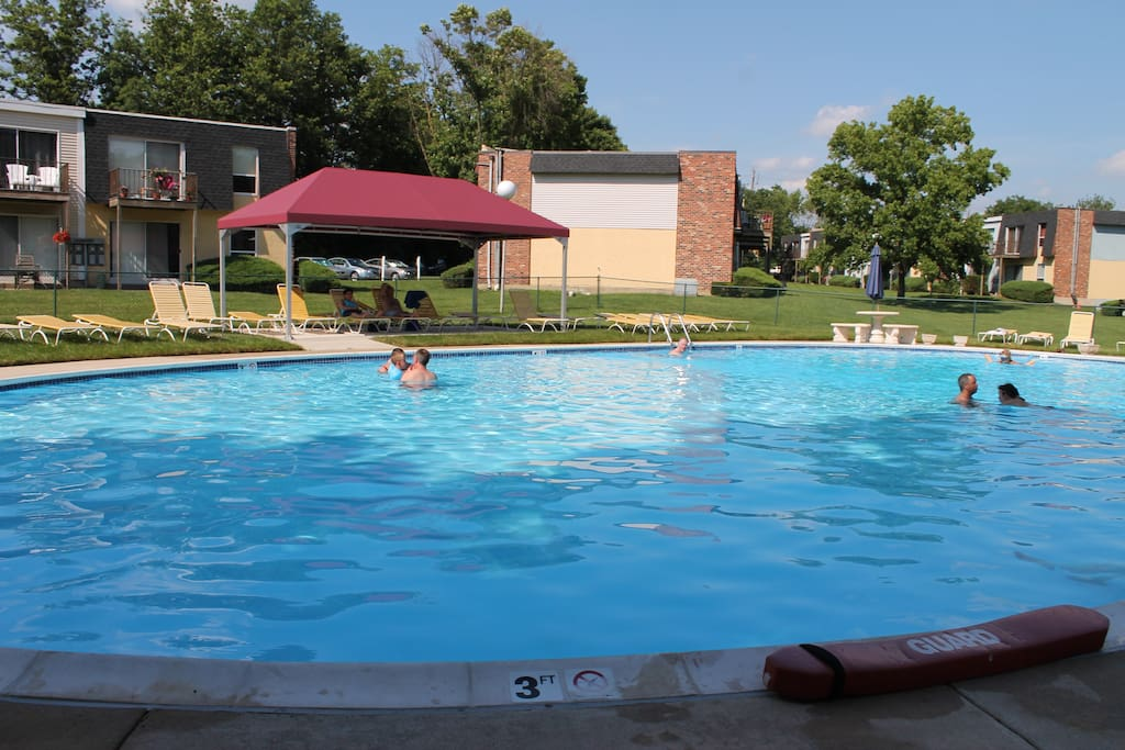 Community outdoor pool open until 6pm everyday during the summer