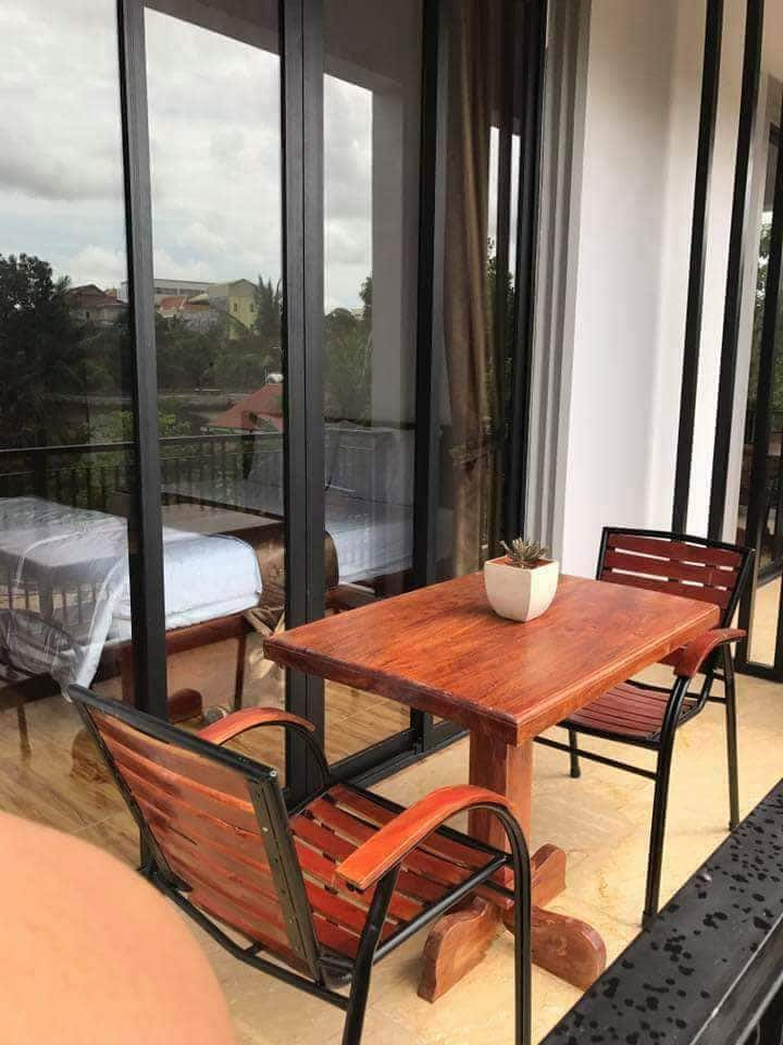 Beautiful, large, Studio Apartment with balcony