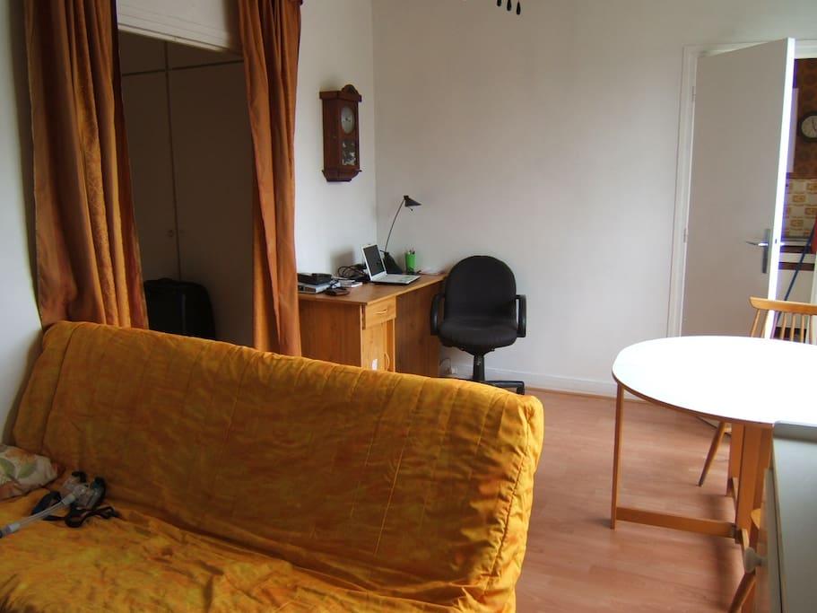 studio paris 13 wohnungen zur miete in paris ile de france frankreich. Black Bedroom Furniture Sets. Home Design Ideas