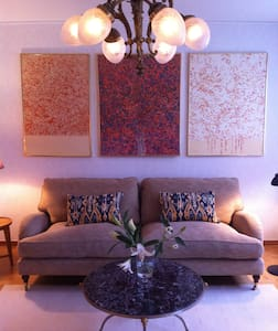 Enjoy artwork in cosy apartement near the city - Stockholm