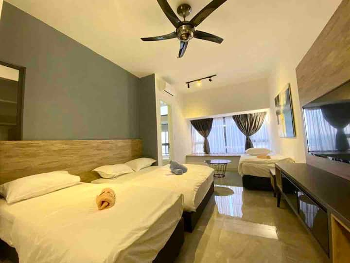 B2733/Seaview/5mins to Jonker/Imperio/Studio/4pax