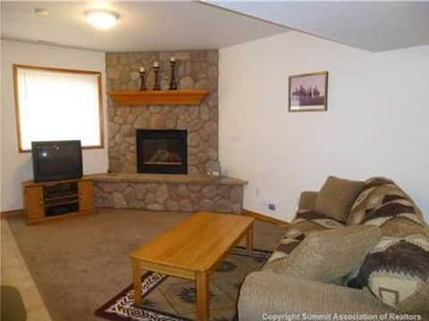 Cozy In-Town Peaceful Studio, PRIVATE ENTRANCE!