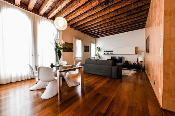 Frari Luxury Apartment