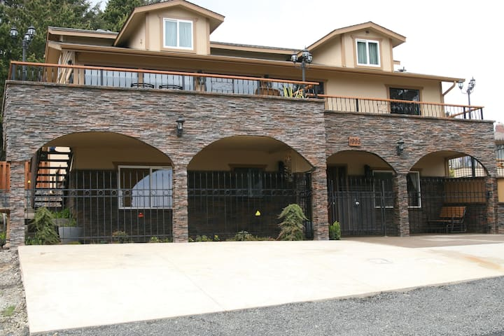 Majestic View, Luxury Home, Corp Retreat,Roads End